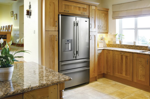 кухня и холодильник
