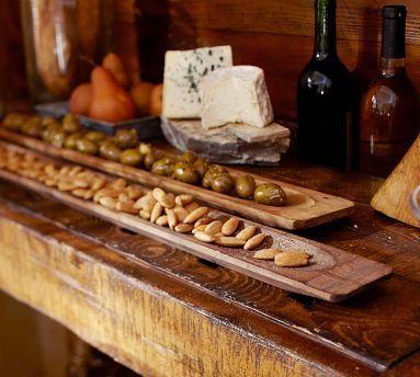 деревянные подносы с орехами
