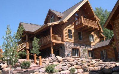 дом из бревна и камня