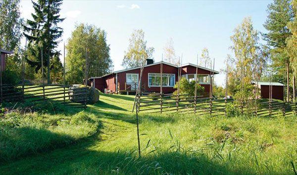 обычный загородный дом