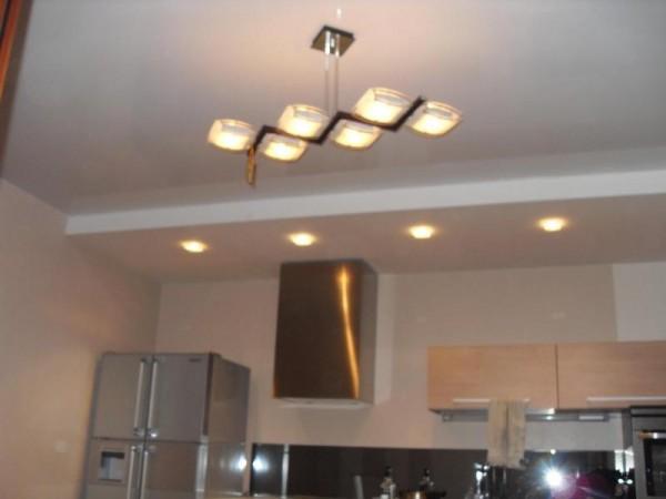 кухня, натяжные потолки