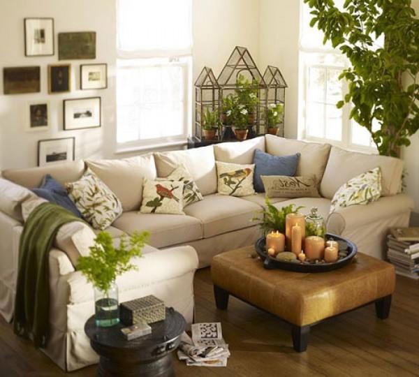 подушки с цветами и птицами