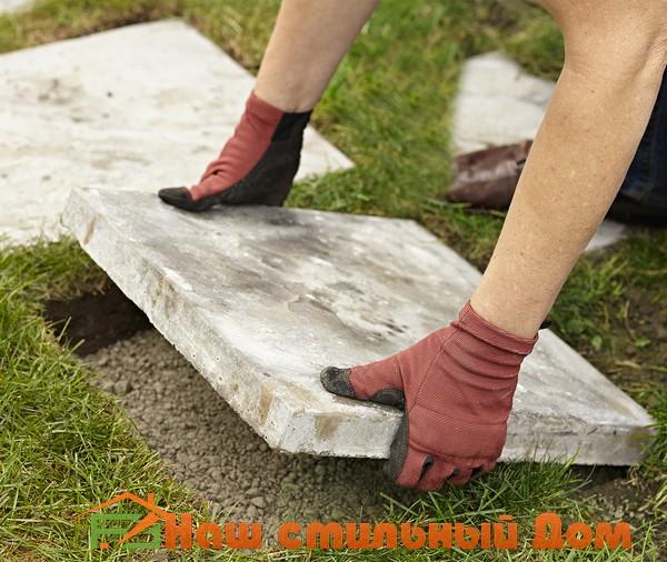 как уложить пошаговую дорожку из тротуарной плитки на газон