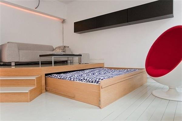 подиум и выдвижная  кровать