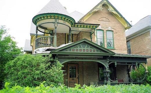 Загородный дом, коттедж, дача, проживание здесь имеет свою специфику, построить и отремонтировать дом сложно, но можно сделать своими руками.