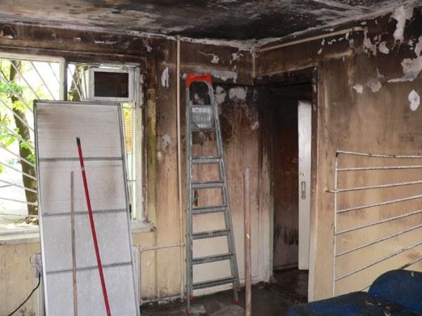 Восстанавливаем дом после пожара: убираем сажу и копоть