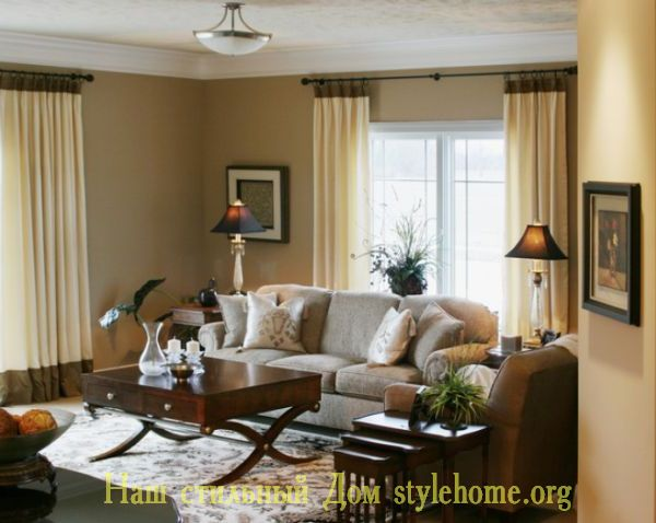 как поставить диван и кресла в гостиной
