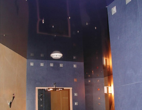глянцевые натяжные потолки, монтаж