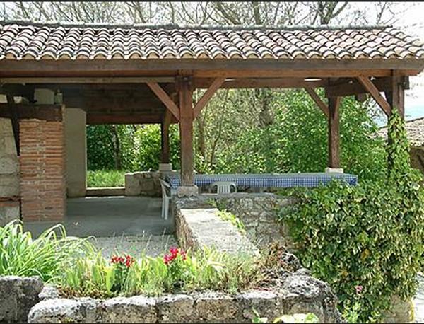 летняя столовая на даче