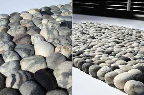 почти каменный коврик