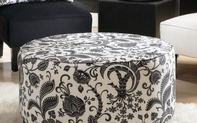 пуфы разной формы, мягкая мебель