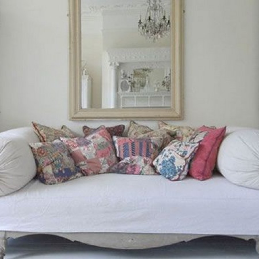 Как оформить старый диван своими руками 82