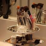 как хранить украшения и косметику