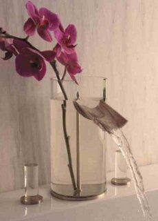 2 в 1: ваза и кран hego