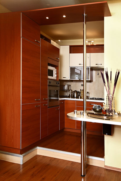 Дизайн окна маленькой кухни
