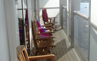 балкон за стеклом