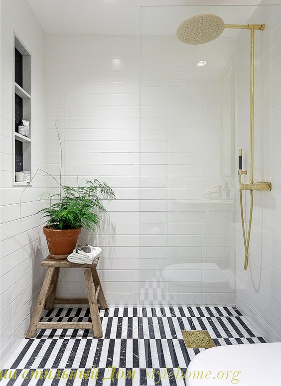 белый дизайн ванной комнаты, черно-белый пол